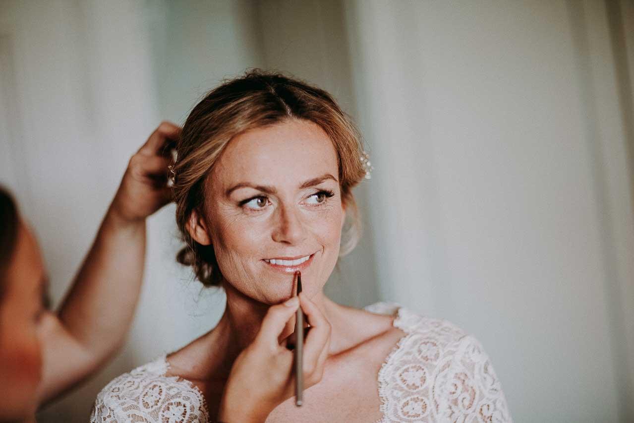 Få lagt en professionel brude makeup