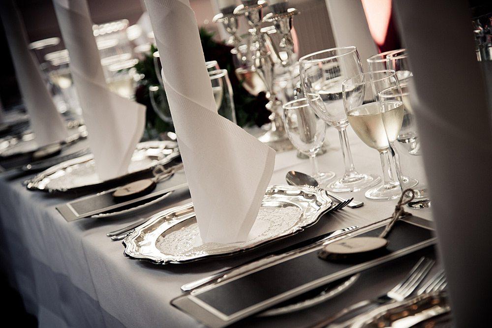 Foldning af servietter til brylluppet