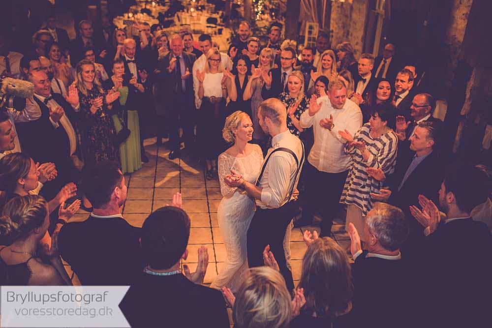 Brug ikke penge for lære brudevalsen på en danseskole